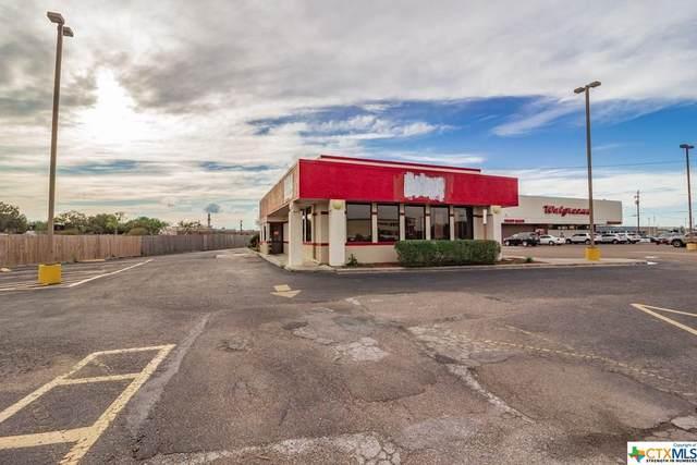 2601 N Navarro Street, Victoria, TX 77901 (MLS #404259) :: Kopecky Group at RE/MAX Land & Homes