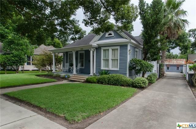 106 W San Antonio Street, Victoria, TX 77901 (MLS #407542) :: The Real Estate Home Team
