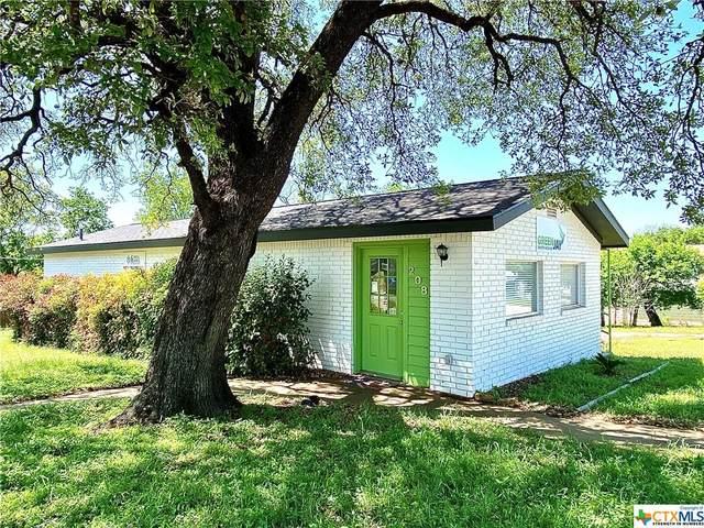 208 N Broad Street, Lampasas, TX 76550 (MLS #407556) :: Kopecky Group at RE/MAX Land & Homes
