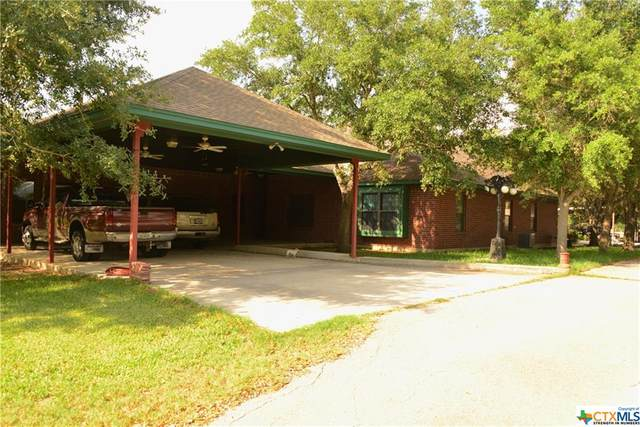 695 Still Meadow Rd, Seguin, TX 78155 (MLS #411417) :: The Real Estate Home Team