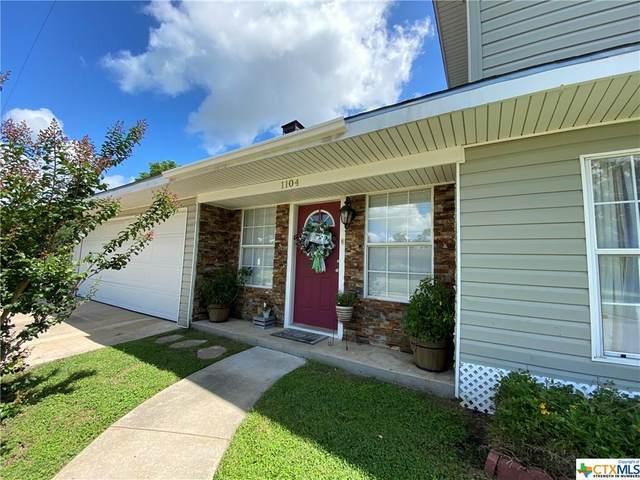 1104 Moss Lane, Cuero, TX 77954 (MLS #412415) :: Kopecky Group at RE/MAX Land & Homes