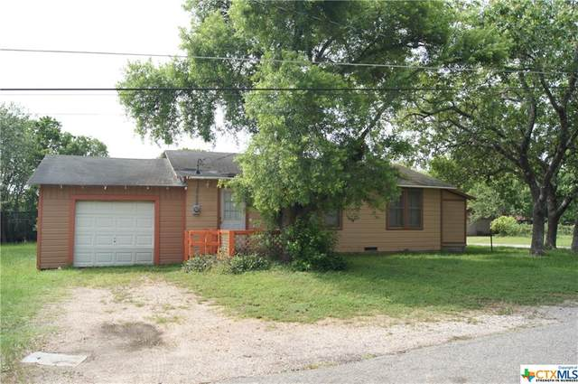 201 Pat Cleburn Street, Yoakum, TX 77995 (MLS #412846) :: Berkshire Hathaway HomeServices Don Johnson, REALTORS®