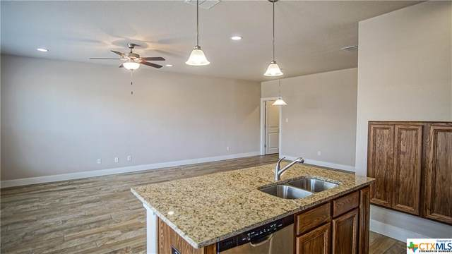 931 Langesmill Branch, New Braunfels, TX 78130 (MLS #417423) :: Kopecky Group at RE/MAX Land & Homes