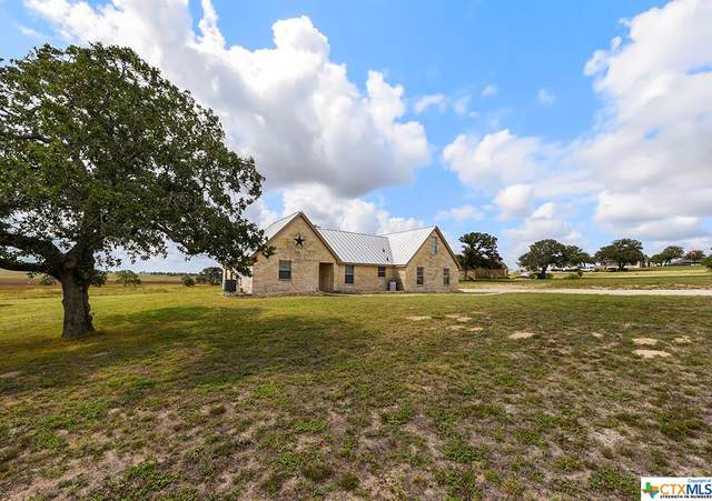 716 Lake Valley Drive, La Vernia, TX 78121 (MLS #418449) :: The Real Estate Home Team