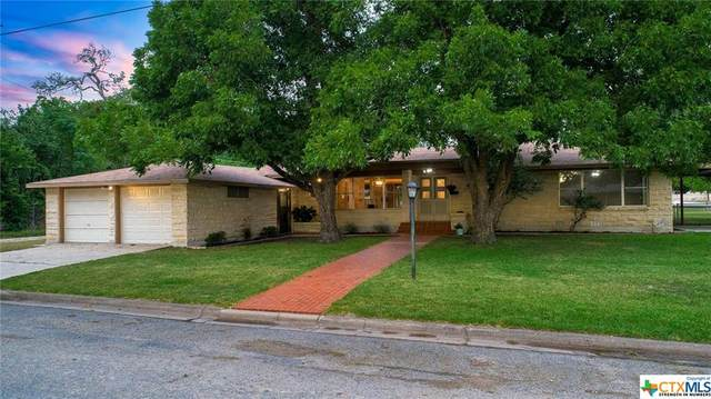 215 S Mulberry Street, Luling, TX 78648 (MLS #419153) :: Kopecky Group at RE/MAX Land & Homes