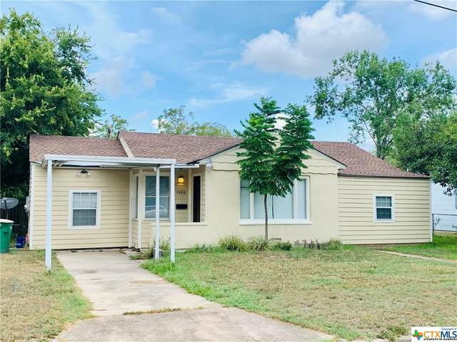 1406 E Virginia Avenue, Victoria, TX 77901 (MLS #421901) :: Kopecky Group at RE/MAX Land & Homes