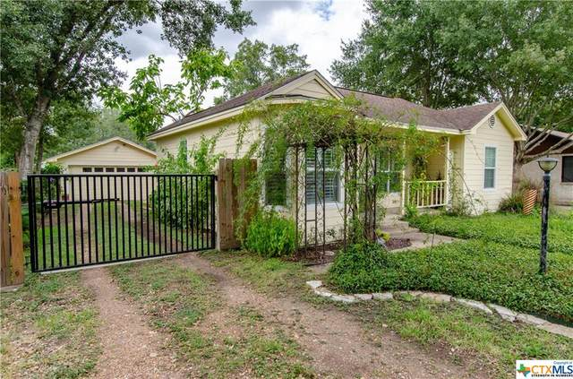 308 Laurel Avenue, Victoria, TX 77901 (MLS #422132) :: Kopecky Group at RE/MAX Land & Homes
