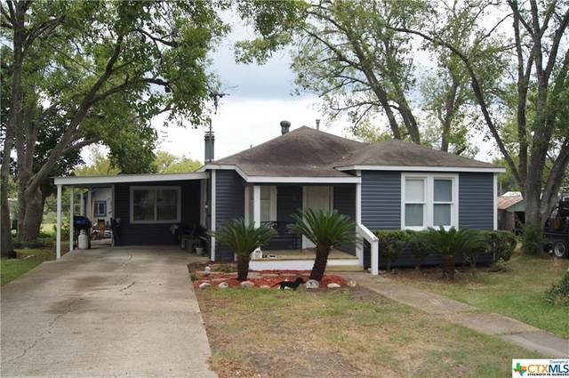 208 Niemann Street, Yoakum, TX 77995 (MLS #422200) :: Kopecky Group at RE/MAX Land & Homes