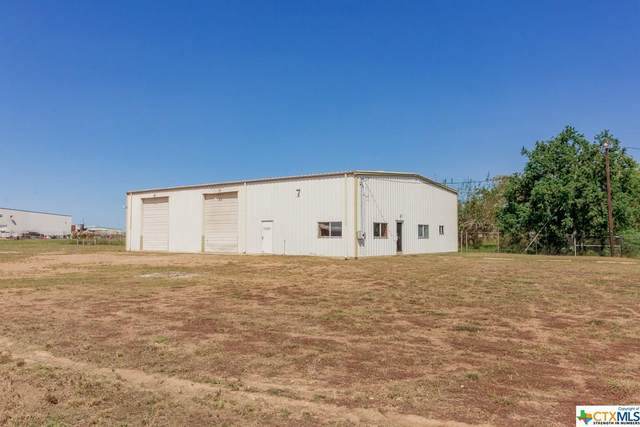 408 Holt Road, Victoria, TX 77905 (MLS #423134) :: The Real Estate Home Team