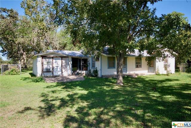 1026 Davis Avenue, Yoakum, TX 77995 (MLS #423233) :: The Zaplac Group