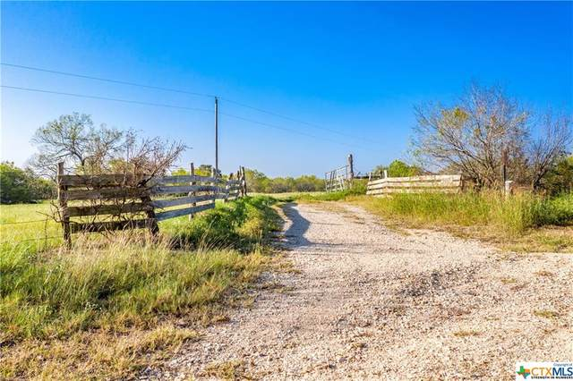 381 W County Road 245, Gonzales, TX 78629 (MLS #424619) :: Brautigan Realty