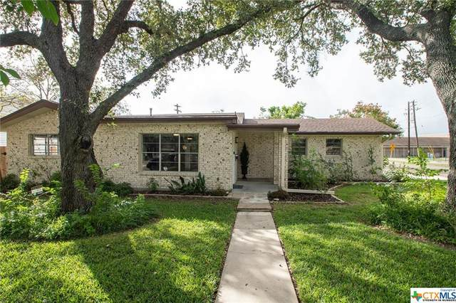 1401 E Polk Avenue, Victoria, TX 77901 (MLS #425048) :: Kopecky Group at RE/MAX Land & Homes