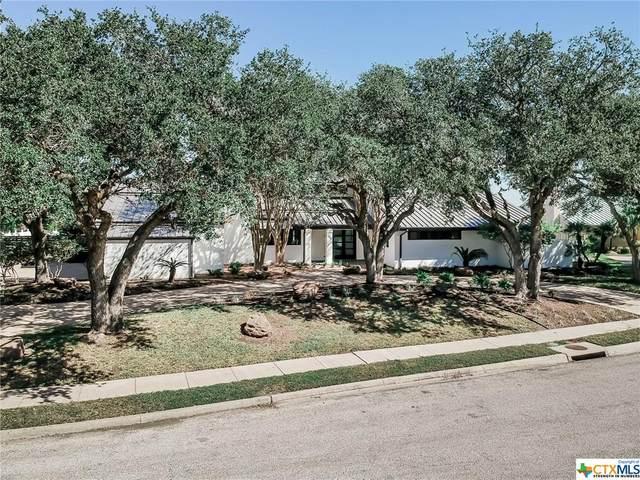 106 Woodcreek Circle, Victoria, TX 77904 (MLS #425876) :: Brautigan Realty
