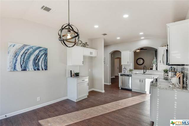 2424 Kolton, New Braunfels, TX 78130 (#426983) :: First Texas Brokerage Company