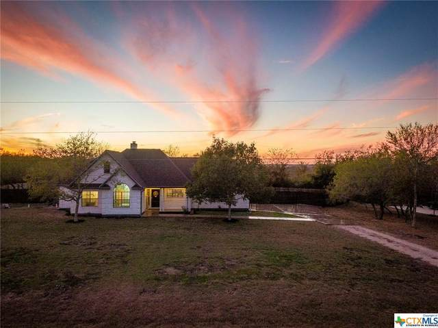 172 Rogues Hollow, Seguin, TX 78155 (MLS #427100) :: Vista Real Estate