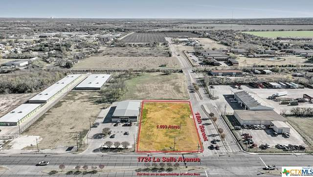 1724 La Salle Avenue, OTHER, TX 76706 (MLS #429242) :: The Barrientos Group
