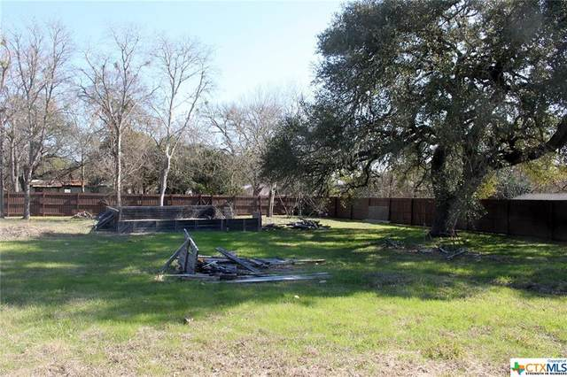 1324 Green Street, Lockhart, TX 78644 (#429428) :: Realty Executives - Town & Country