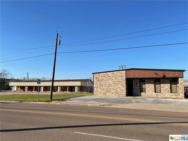 3102 E Red River Street, Victoria, TX 77901 (MLS #430035) :: Texas Real Estate Advisors