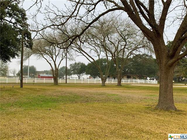 204 W Old Hallettsville Road, Flatonia, TX 78941 (MLS #431224) :: Kopecky Group at RE/MAX Land & Homes