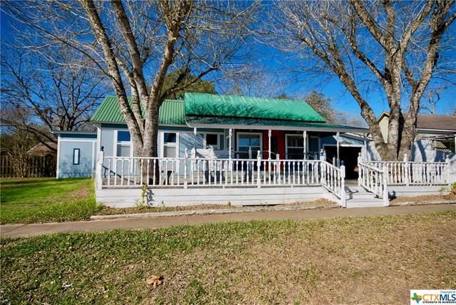 303 N Main, Moulton, TX 77975 (MLS #432354) :: Berkshire Hathaway HomeServices Don Johnson, REALTORS®