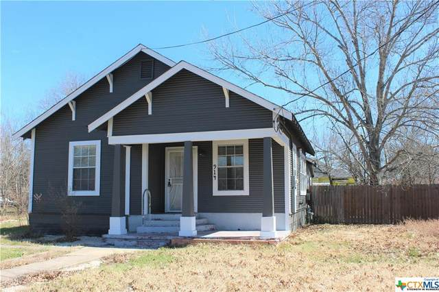 914 S Brazos Street, Lockhart, TX 78644 (MLS #433179) :: The Zaplac Group