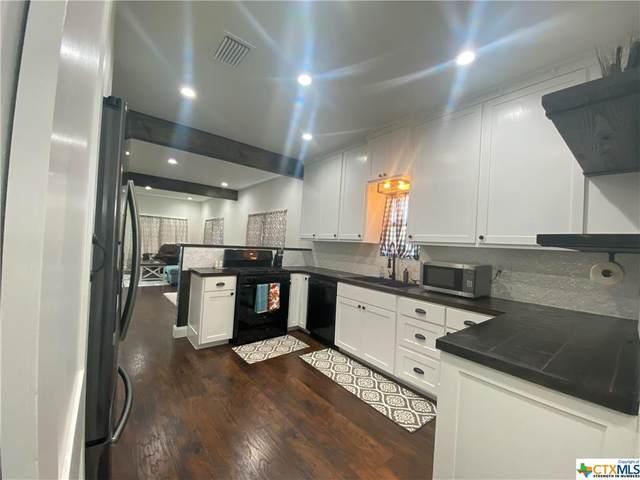 501 W May Street, Yoakum, TX 77995 (MLS #433440) :: HergGroup San Antonio Team