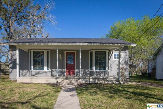 106 Duke Street, Yoakum, TX 77995 (MLS #434069) :: RE/MAX Land & Homes