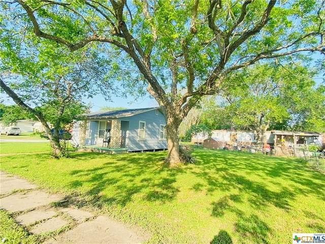 211 N South Street, Yoakum, TX 77995 (#438585) :: First Texas Brokerage Company