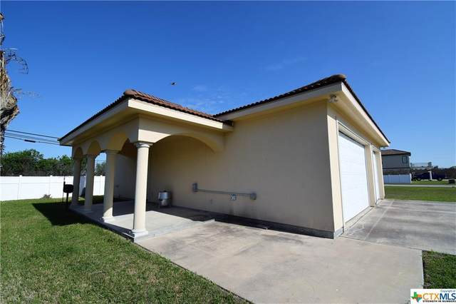 8 Lavaca Bay, Port Lavaca, TX 77979 (MLS #439138) :: RE/MAX Family