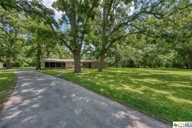 182 Guadalupe River Drive, Seguin, TX 78155 (MLS #442248) :: The Curtis Team