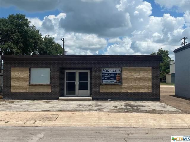 213 W May Street, Yoakum, TX 77995 (MLS #443869) :: The Myles Group