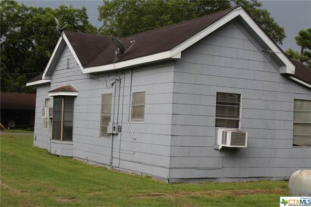 700 S Arnim, Moulton, TX 77975 (MLS #445627) :: RE/MAX Land & Homes