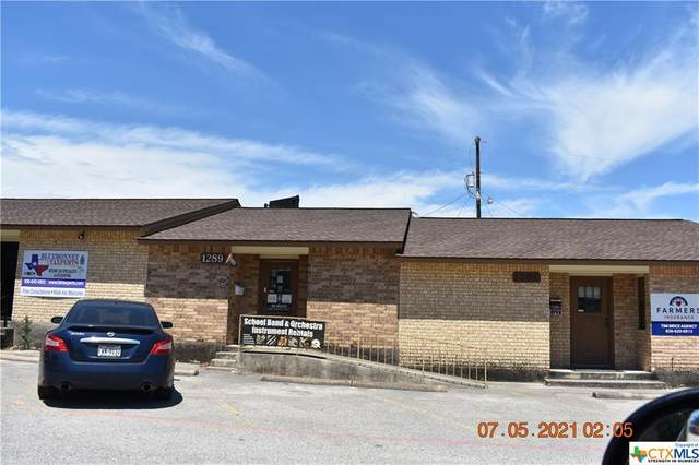 1289 E Common Street, New Braunfels, TX 78130 (#448412) :: Empyral Group Realtors