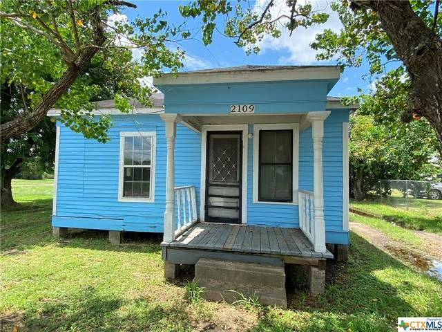 2109 S Laurent Street, Victoria, TX 77901 (MLS #448890) :: Kopecky Group at RE/MAX Land & Homes