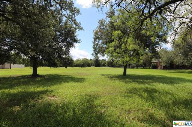 309 Kingwood Forest Drive, Victoria, TX 77904 (MLS #449104) :: RE/MAX Land & Homes