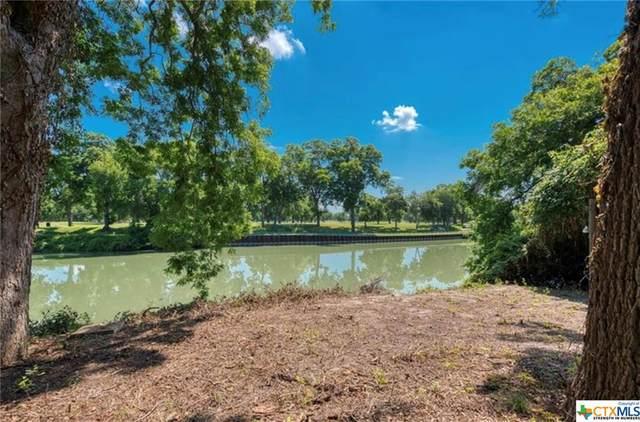 182 Guadalupe River Drive, Seguin, TX 78155 (MLS #452139) :: RE/MAX Family