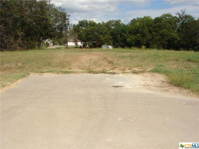 832 Water Street, Gonzales, TX 78629 (MLS #452987) :: Rutherford Realty Group