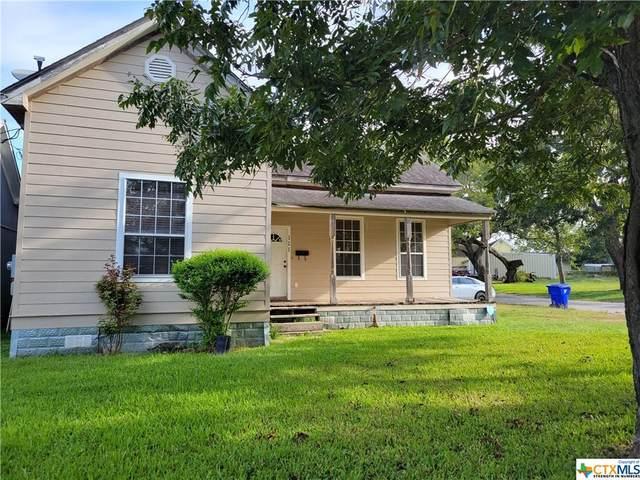 111 Dallas Street, Yoakum, TX 77995 (MLS #454788) :: RE/MAX Land & Homes