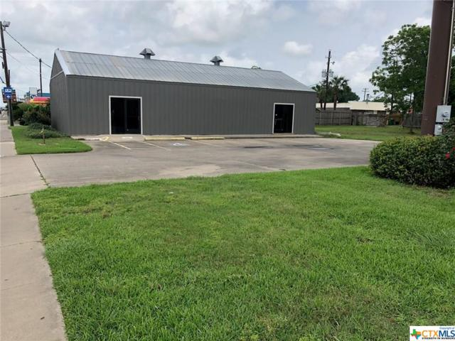 1904 N Navarro Street, Victoria, TX 77901 (MLS #376043) :: Kopecky Group at RE/MAX Land & Homes