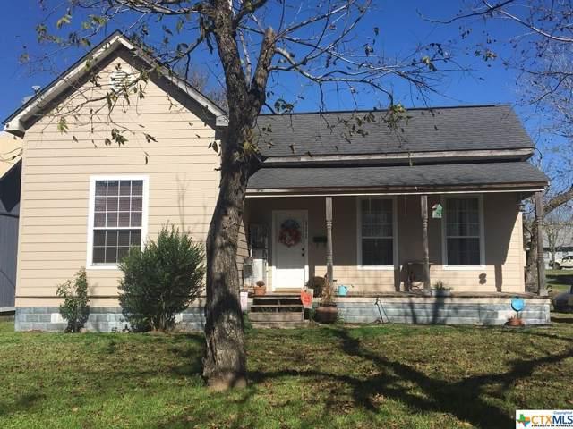 111 Dallas Street, Yoakum, TX 77995 (MLS #391885) :: RE/MAX Land & Homes