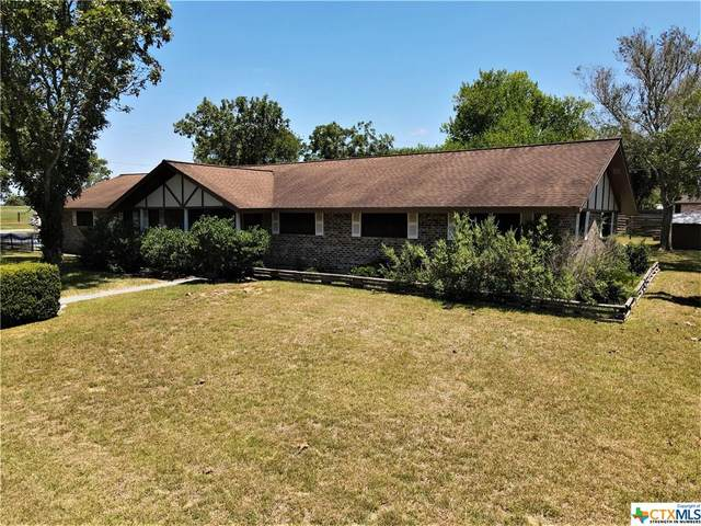 846 Meadowbrook Lane, Goliad, TX 77963 (MLS #406879) :: Kopecky Group at RE/MAX Land & Homes