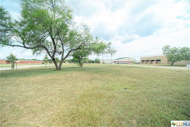 2900 Sam Houston, Victoria, TX 77901 (MLS #421710) :: RE/MAX Land & Homes