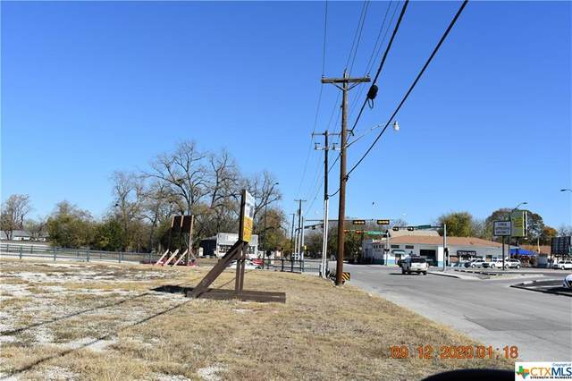 824 S Seguin Street, New Braunfels, TX 78130 (#434933) :: Empyral Group Realtors