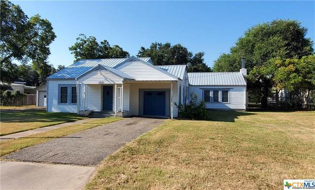105 E Reuss Boulevard, Cuero, TX 77954 (MLS #440700) :: RE/MAX Land & Homes