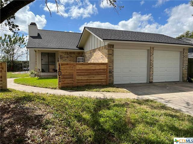101 Ivanhoe Drive, Victoria, TX 77901 (MLS #453732) :: The Real Estate Home Team