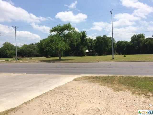 705 W Court Street, Seguin, TX 78155 (MLS #308335) :: The Real Estate Home Team