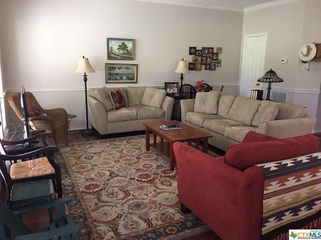 280 Ski Lodge #1, McQueeney, TX 78123 (MLS #325048) :: The Suzanne Kuntz Real Estate Team