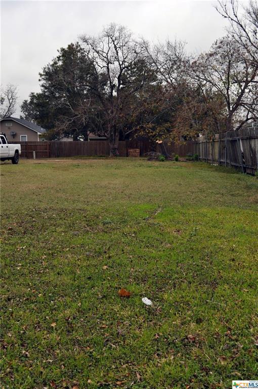 306 E Clayton Street, Cuero, TX 77954 (MLS #332567) :: RE/MAX Land & Homes