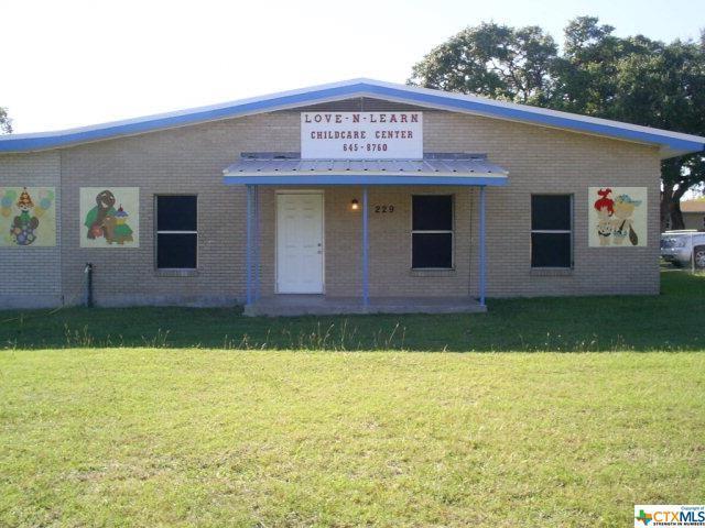 229 N Fort Street, Goliad, TX 77963 (MLS #337811) :: RE/MAX Land & Homes