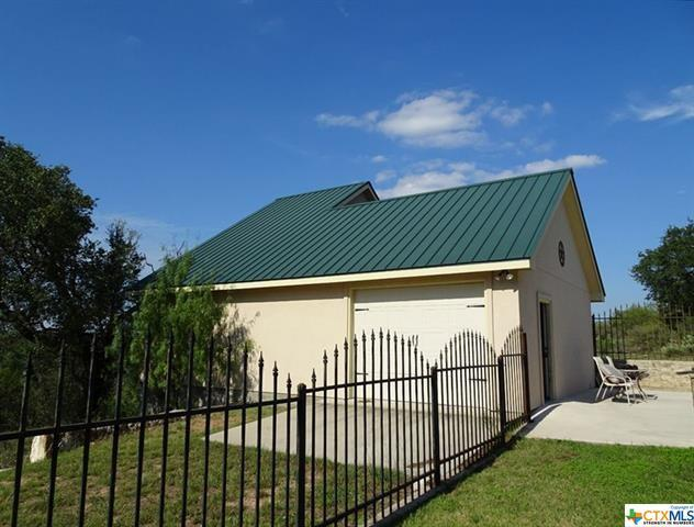 3050 Ranch Road 2233, Sunrise Beach, TX 78643 (MLS #342114) :: Kopecky Group at RE/MAX Land & Homes